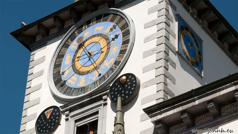 The clock at Sion