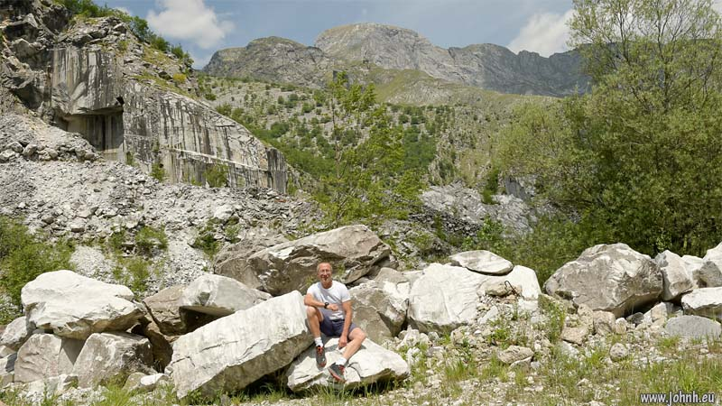 Apuan Alps - white marble quarry