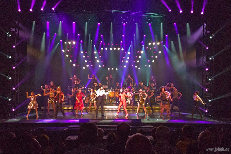 "ON YOUR FEET! encore - Miami Sound Machine's hit ""Conga"""