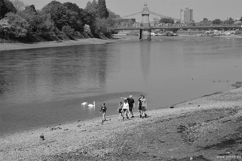 Thames Walk at Hammersmith Bridge
