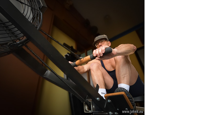 Rowing in my home gym - in the sports zone